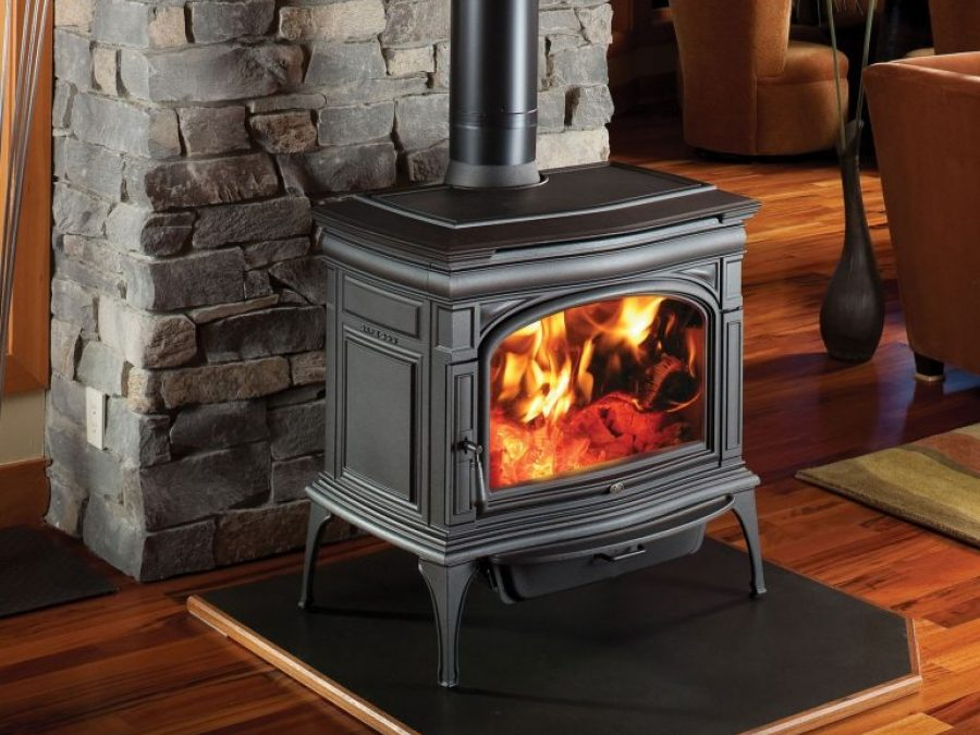 Wood-Burning Stove vs Fireplace: What's the Difference?